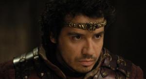 Alexandre Astier dans le rôle d'Arthur